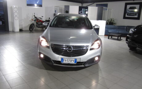 OPEL INSIGNIA  TOURER CROSS COUNTRY AUTOMATIC